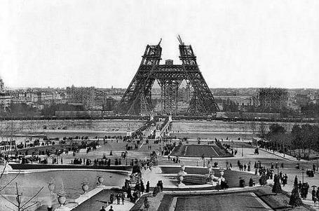 eiffel-tower-construction