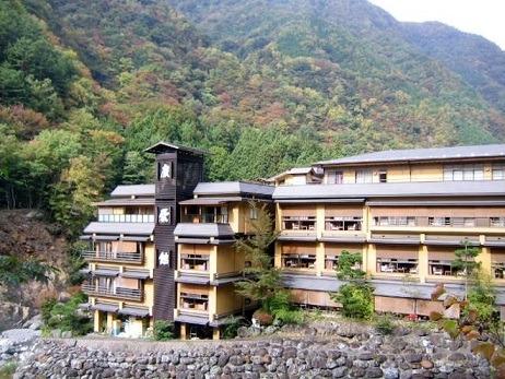 nishiyama-onsen