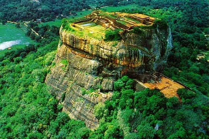 Sri-lanka-Tourism-sigiriya-rock-castle