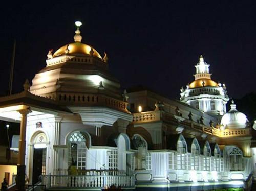 معبد مانگشی (Mangeshi)