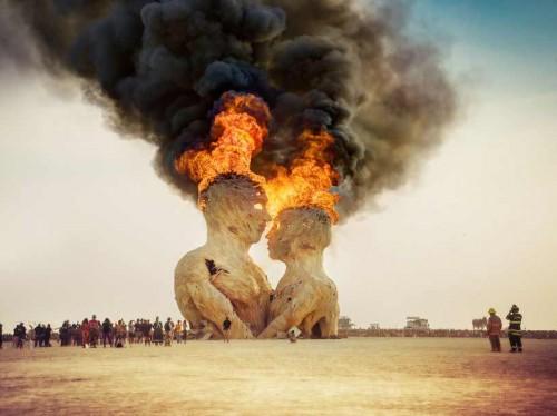 [عکس: unique-festivals-around-the-world-burnin...00x374.jpg]