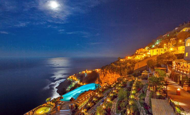 هتل و چشمهی آب گرم موناسترو سانتا روزا