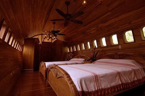 نمای داخلی هتل هواپیمای لوکس