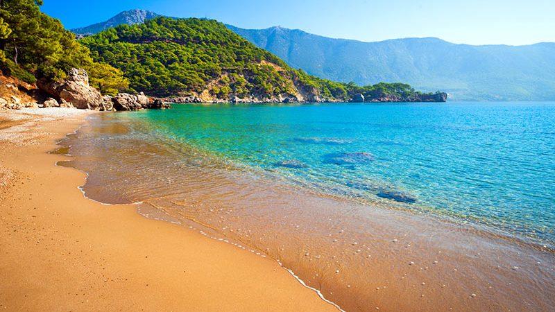 یکی از سواحل آنتالیا