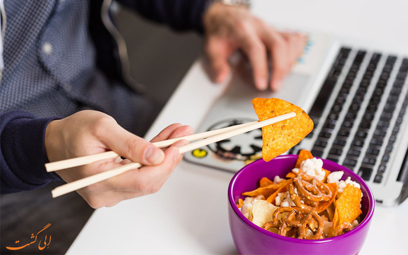 چطور با چاپستیک غذا بخوریم-غذا خوردن با چوب