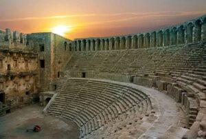 نمایی از آمفی تئاتر آسپندوس