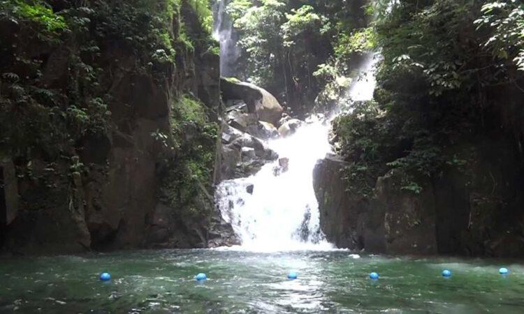 آبشار پلیو