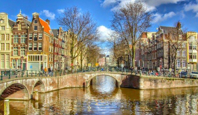 پیاده روی در آمستردام