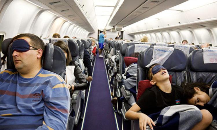 خواب در هواپیما