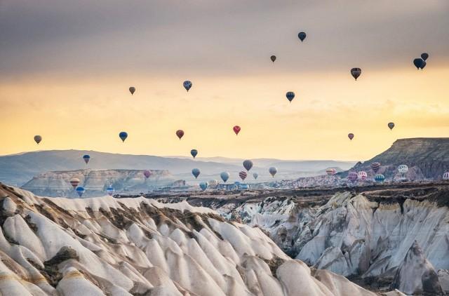 float-on-a-hot-air-balloon-in-cappadocia-turkey