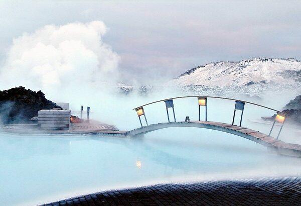 شنا در تالاب بلو (Blue) در ایسلند