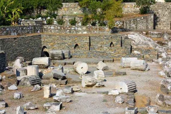 turkey-bodrum-mausoleum-ruins