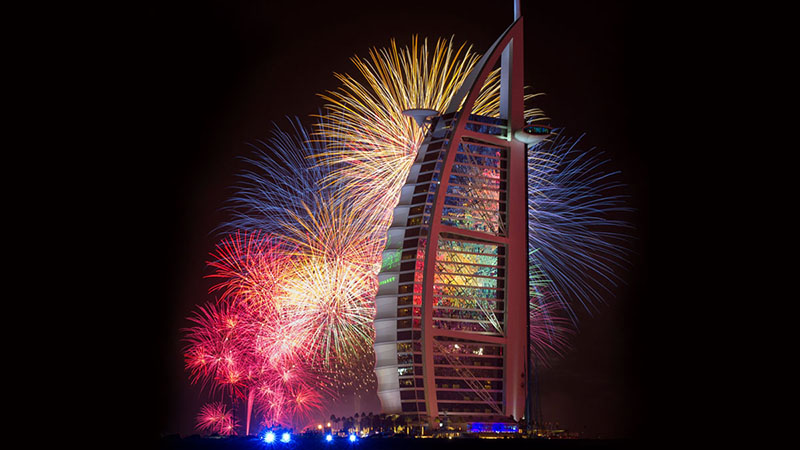 christmasts fireworks in dubai