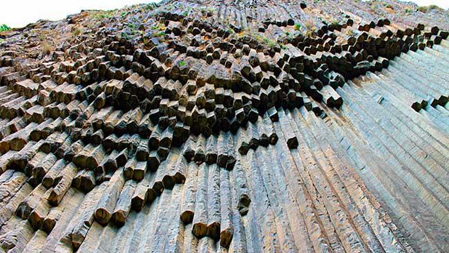 symphony of stones
