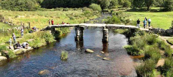 old_bridge_postbridge_dartmoor_national_park_devon_england_uk