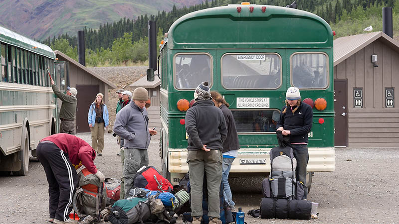 backpackers travel