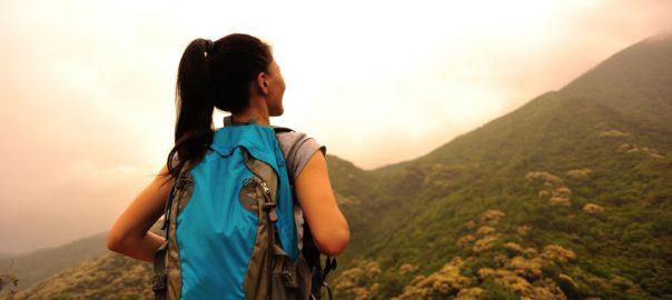 women travel alone