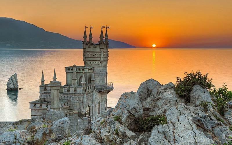 قلعه سوالوز نست