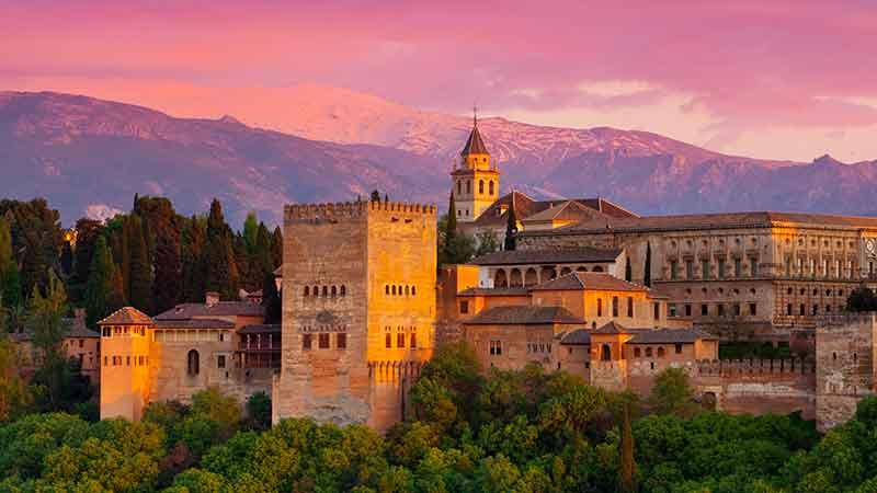 قلعه الحمرا