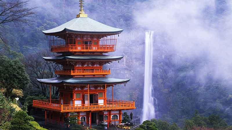 محو تماشای عجایب طبیعی ژاپن شوید