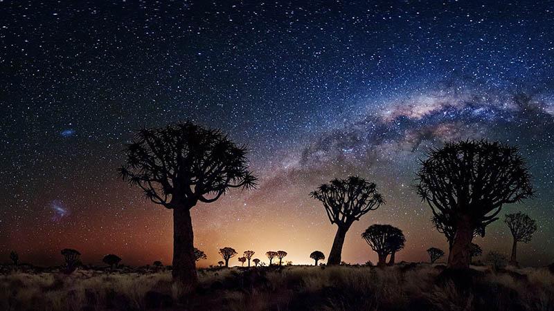 صحرای آفریقا در شب