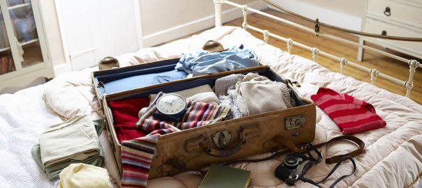 چمدان سفر بستن