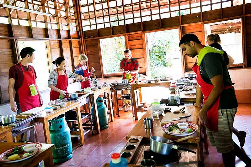کلاس آشپزی تایلندی