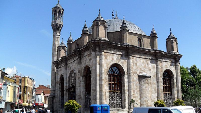 مسجد عزیزیه وارنا