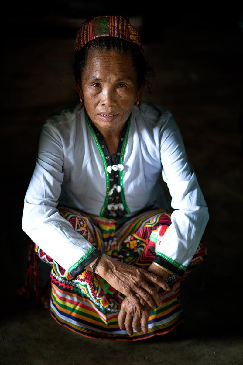لباس سنتی یکی از قبایل