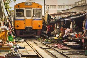 بازارچه ریلی مائه کلونگ در بانکوک