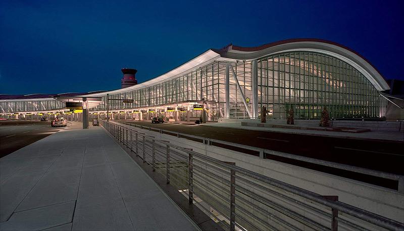 فرودگاه کانادا