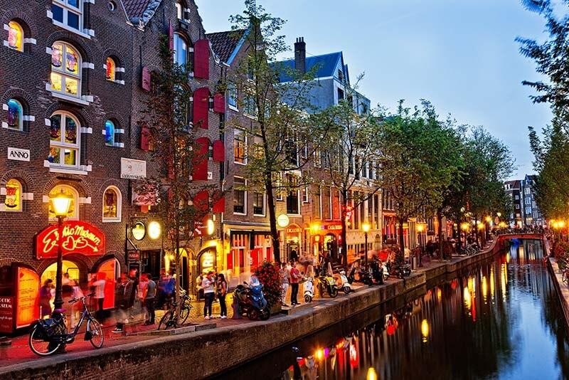 کانال آب | آمستردام هلند