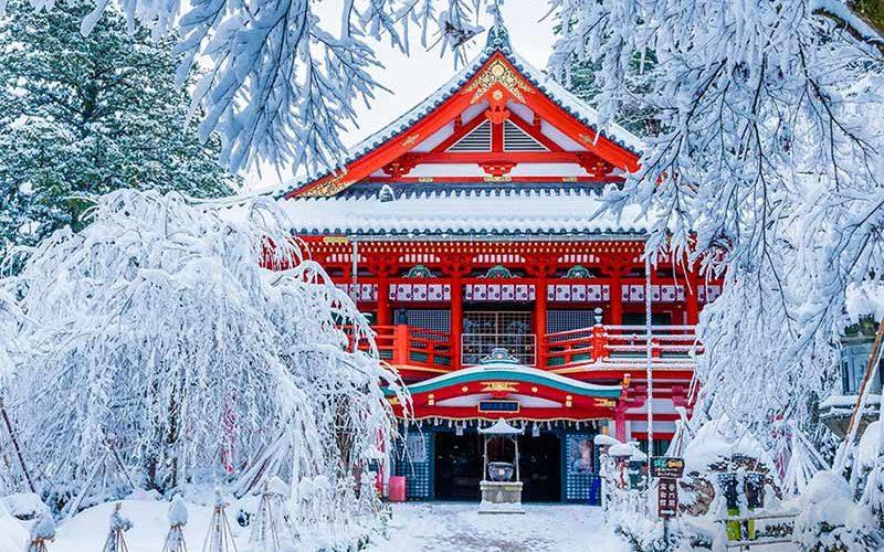 عبادتگاه ناتادرا در زمستان