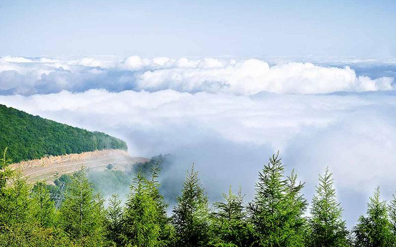 جکنگلی در میان ابرها