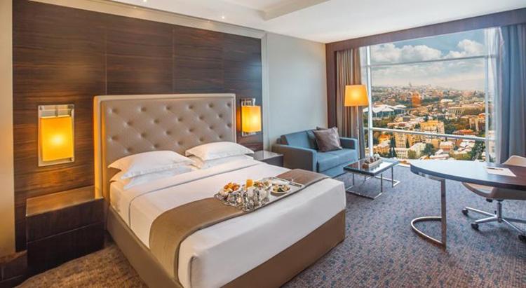 اتاق هتل بالتیمور تفلیس
