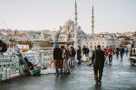 روی پل گالاتا در استانبول، ۲ قاره را ببینید!
