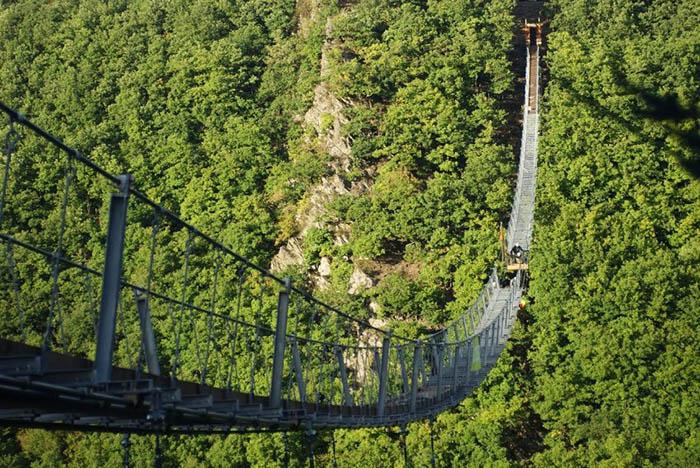 طولانی ترین پل معلق جهان