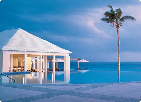 هتلی در جزیره برمودا