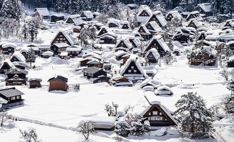 روستای تاریخی شیراکاوا گو در زمستان