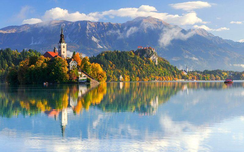دریاچه بلد در تابستان