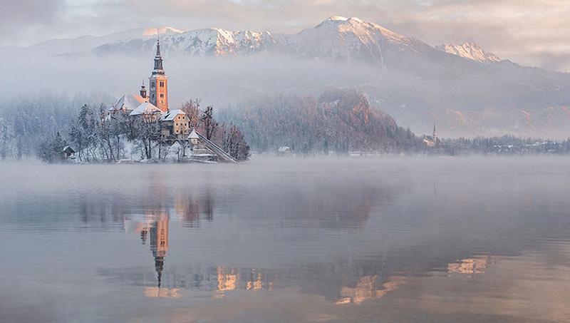 دریاچه بلد در زمستان