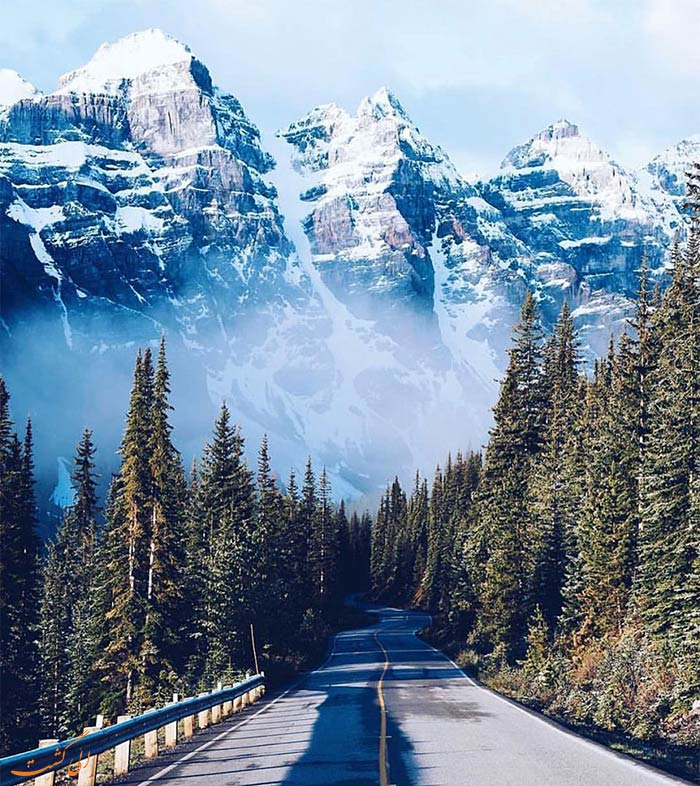 جاده کوهستانی در کانادا