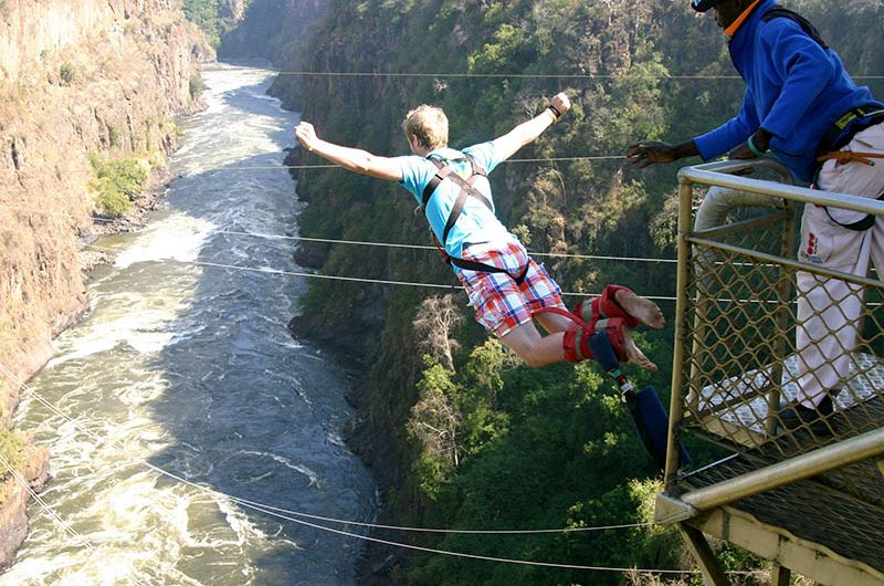 بانجی جامپینگ آبشار ویکتوریا