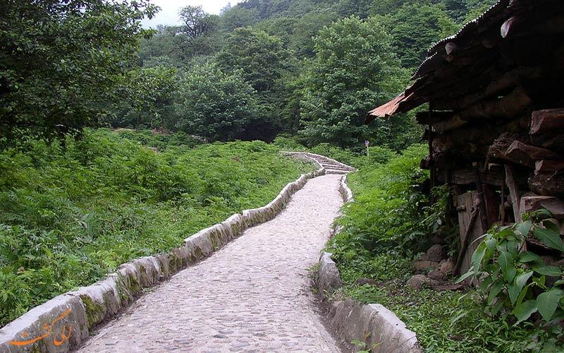 منظره ی طبیعی اطراف قلعه رودخان
