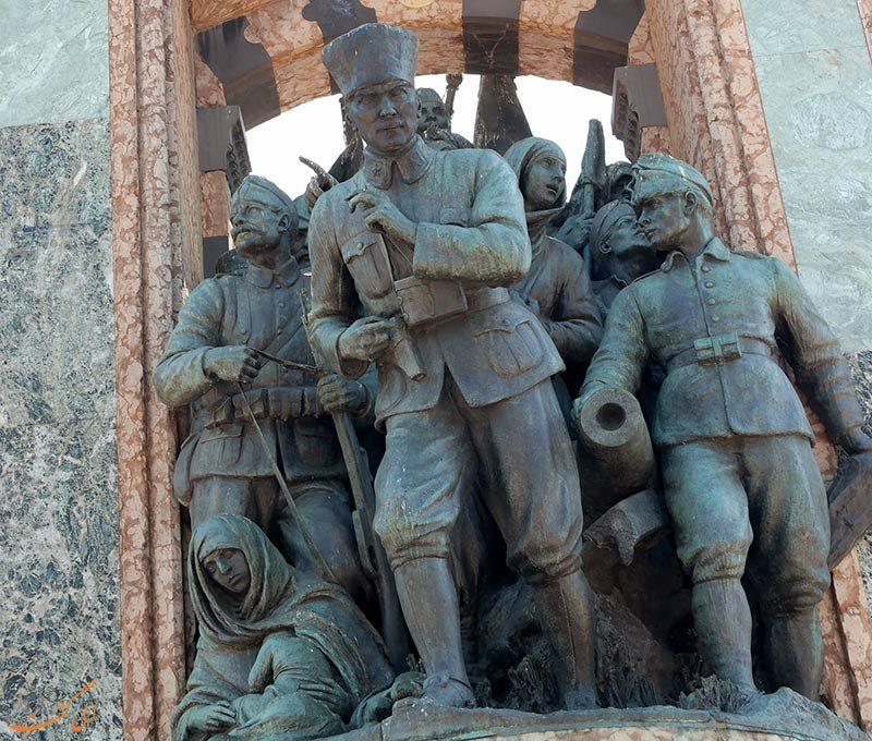 بنای یادبود جمهوری خیابان تکسیم استانبول