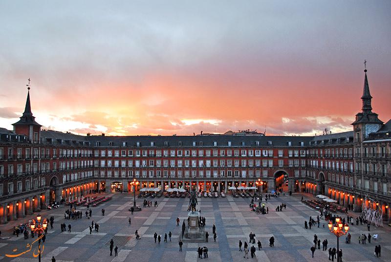 میدان پلازا مایور در مادرید