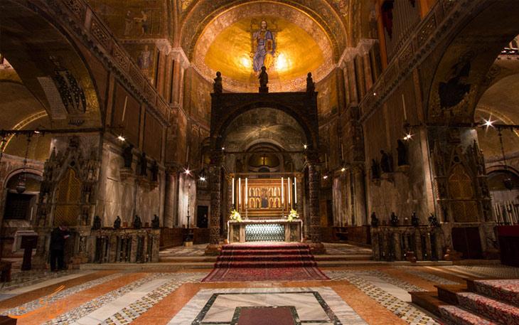 محراب کلیسای سنت مارک