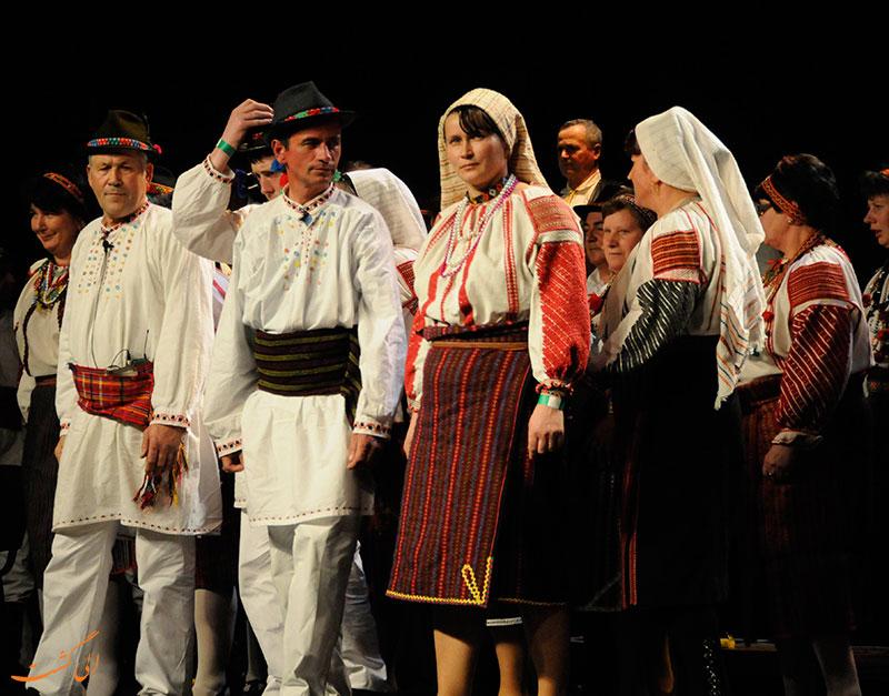 پارچه های گلدوزی شده ی مجارستانی