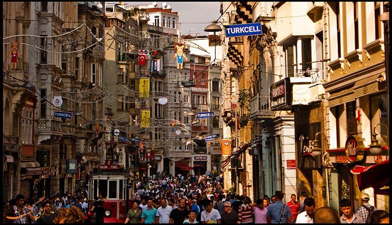 سوغاتی در خیابان تکسیم استانبول