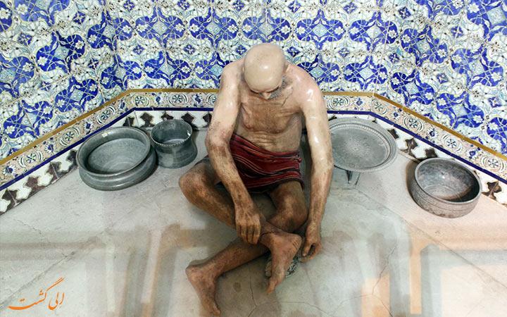 مجسمه های حمام گنجعلی خان در کرمان